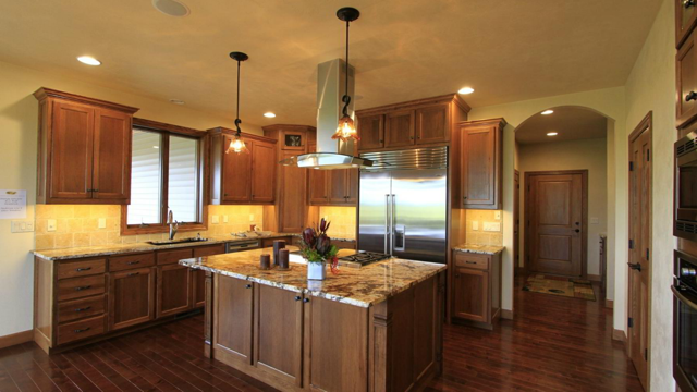 Wolfinger Custom Home - Kitchen